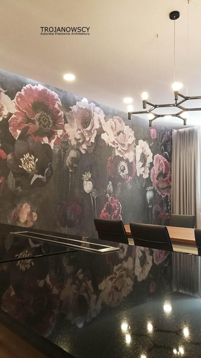 ozdobna ściana w salonie