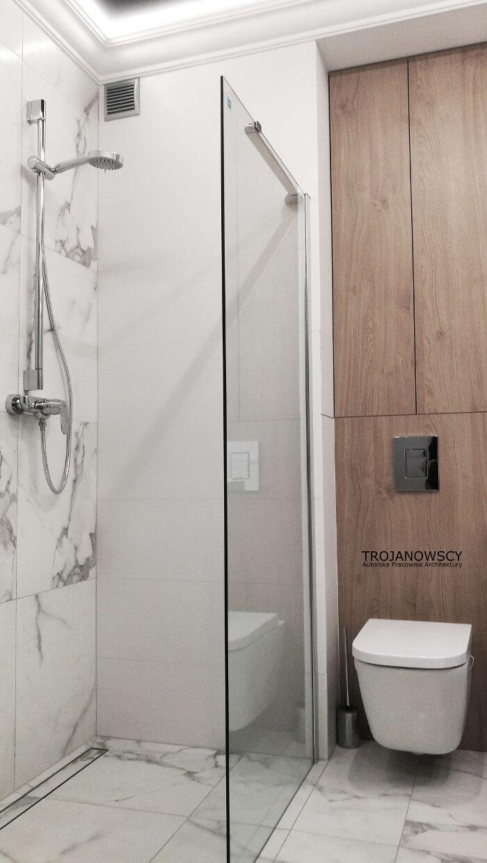 kabina prysznicowa z odpływem liniowym