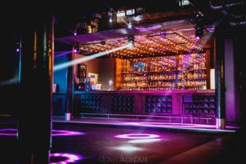 nowoczesny design bar w klubie nocnym